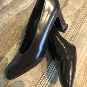 Leather Amalfi Italian pumps in great shape